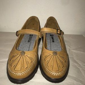 Dr Comfort Mary Jane style shoes size 8